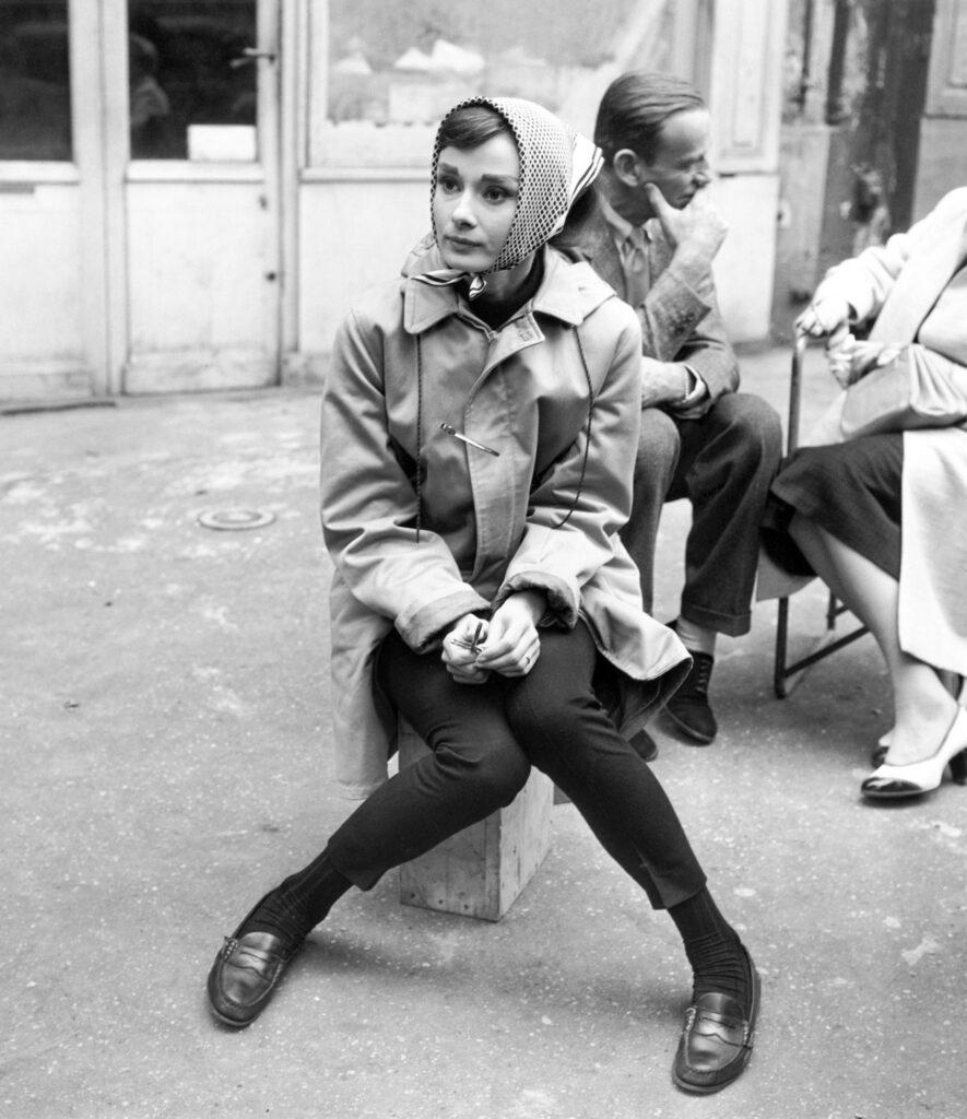 Audrey Hepuburn che indossa mocassini