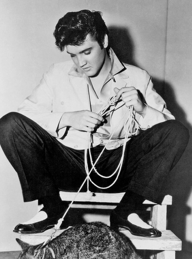 Elvis Presley con i mocassini