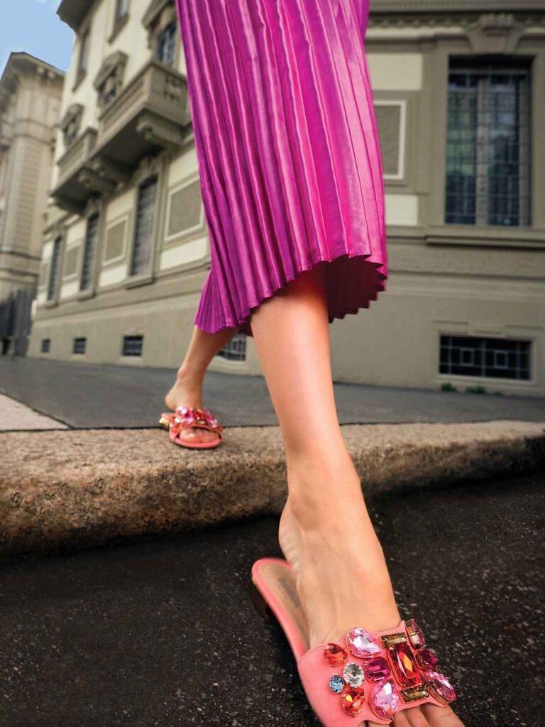 sandali ciabatta rosa con strass baldinini